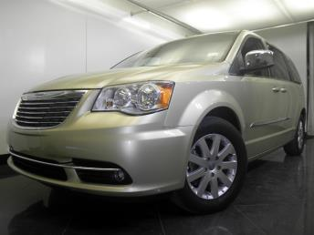 2012 Chrysler Town and Country - 1060152403