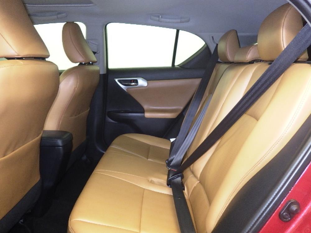 2011 Lexus CT 200h  - 1060161023
