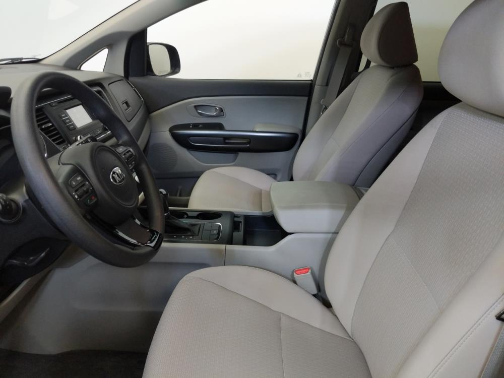 2017 Kia Sedona LX - 1060161461