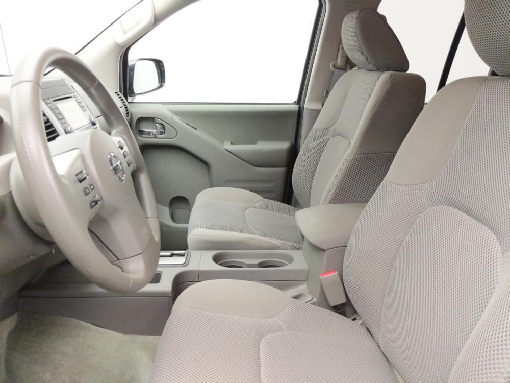 2017 Nissan Frontier Crew Cab SV 5 ft - 1060162053