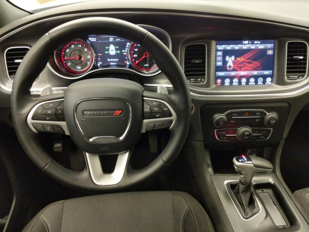 2017 Dodge Charger R/T - 1060162142