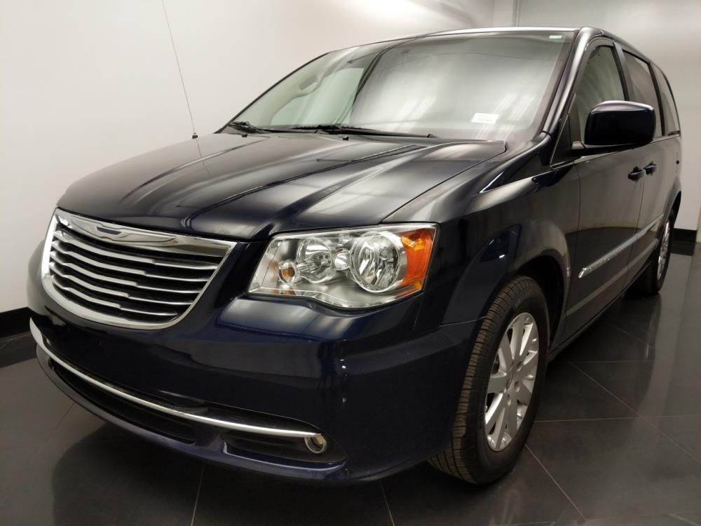 2013 Chrysler Town and Country Touring - 1060162536