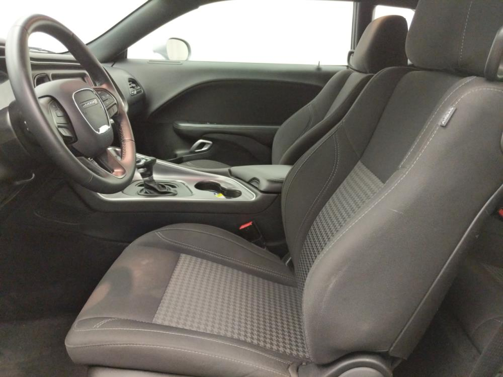 2017 Dodge Challenger SXT - 1060163033