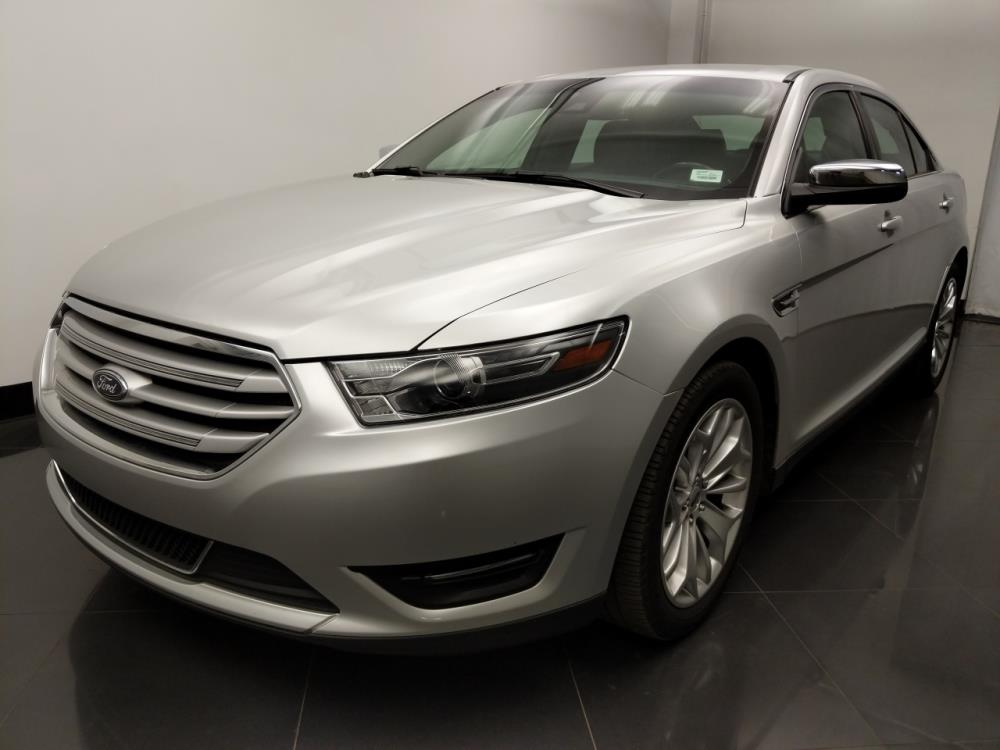 2017 Ford Taurus Limited - 1060163357