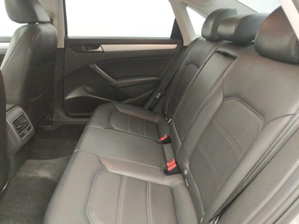 2013 Volkswagen Passat 2.5L SE - 1060163920
