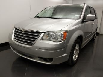 2010 Chrysler Town and Country Touring - 1060164171