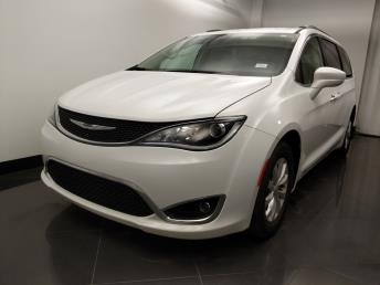 2017 Chrysler Pacifica Touring-L - 1060164488