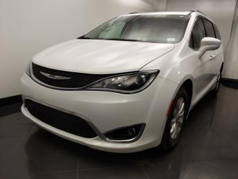 2017 Chrysler Pacifica Touring Plus - 1060164490