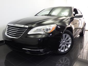 2013 Chrysler 200 - 1070061675