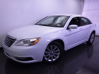 2014 Chrysler 200 - 1070063365