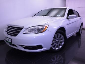 2012 Chrysler 200 - 1070063369