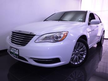 2013 Chrysler 200 - 1070063715