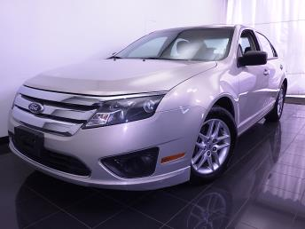 2010 Ford Fusion - 1070063728