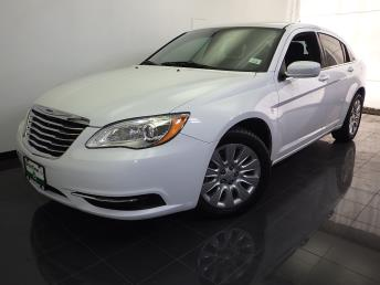2013 Chrysler 200 - 1070065143