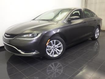 2016 Chrysler 200 - 1070065753