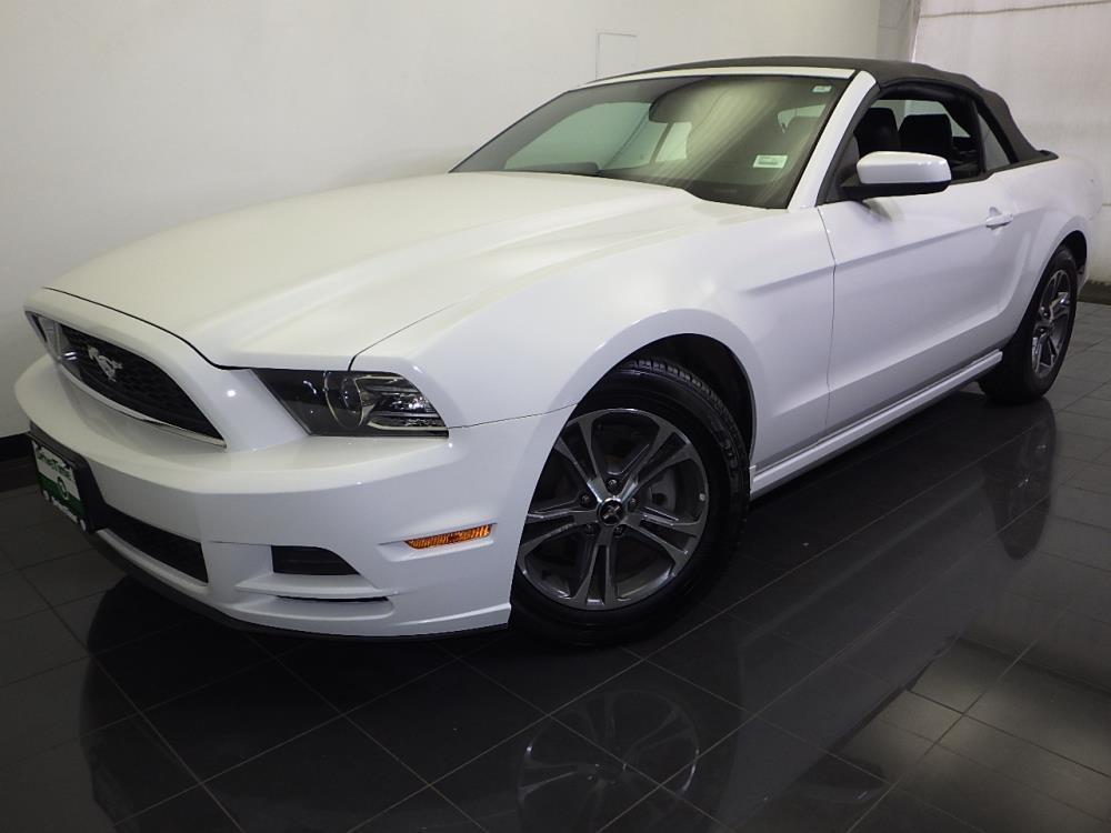 2014 Ford Mustang V6 Premium - 1070065875