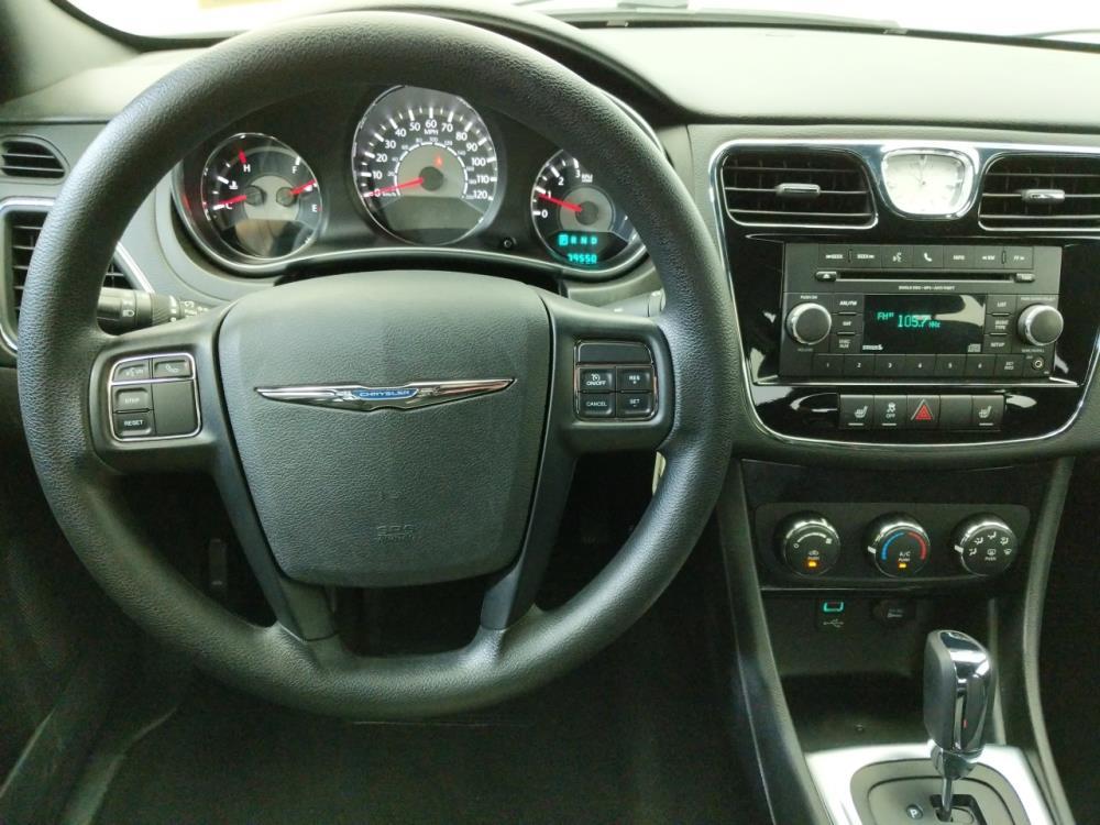 2013 Chrysler 200 LX Z - 1070066922