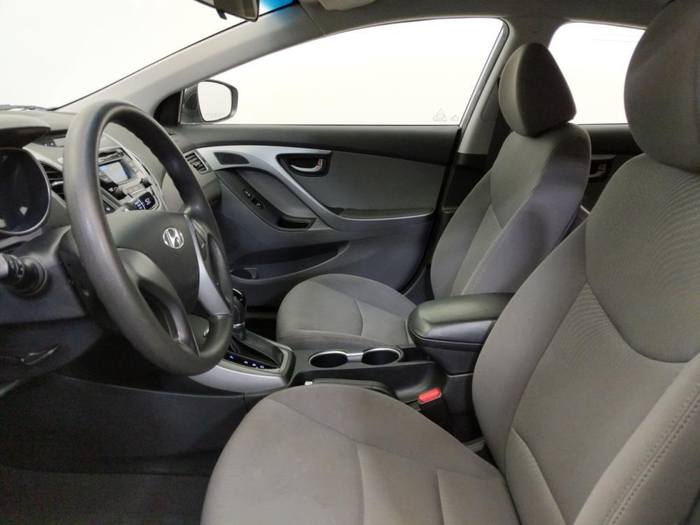 2016 Hyundai Elantra SE - 1070067021
