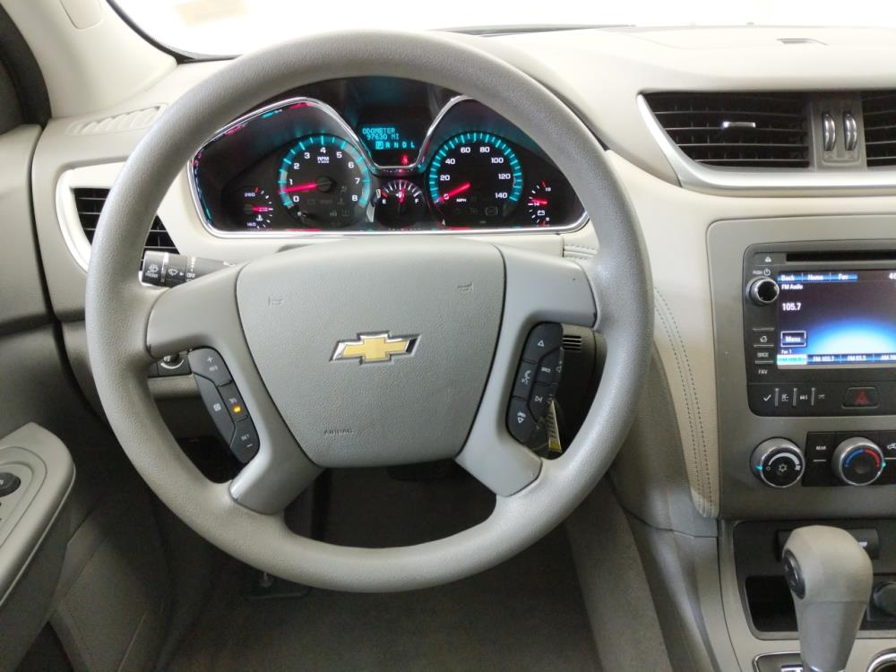 2013 Chevrolet Traverse LS - 1070067077