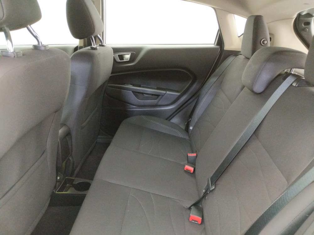 2016 Ford Fiesta SE - 1070067181