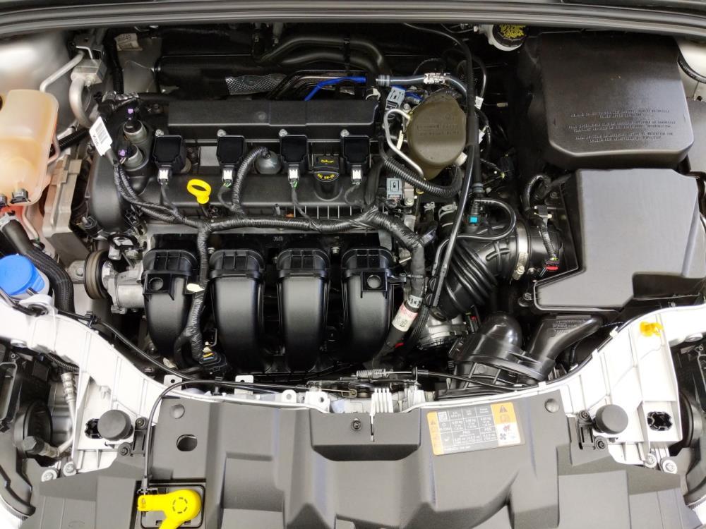 2016 Ford Focus SE - 1070067208