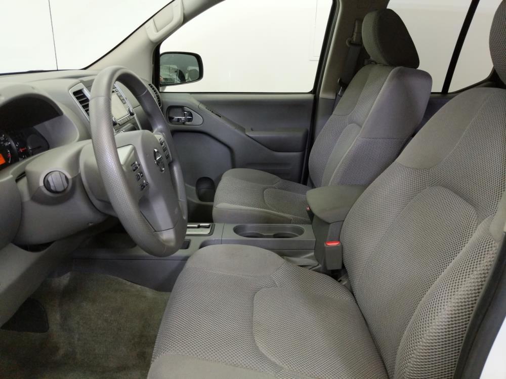 2017 Nissan Frontier Crew Cab SV 5 ft - 1070067298
