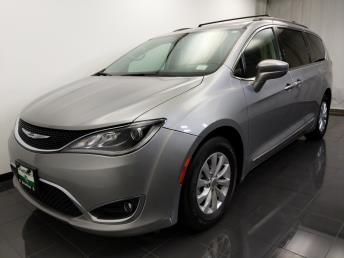2017 Chrysler Pacifica Touring-L - 1070067608