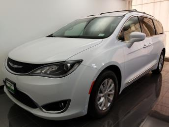 2017 Chrysler Pacifica Touring-L - 1070067890