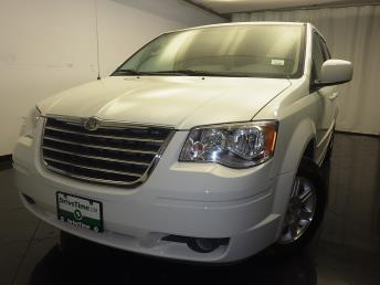 2008 Chrysler Town and Country - 1080164142