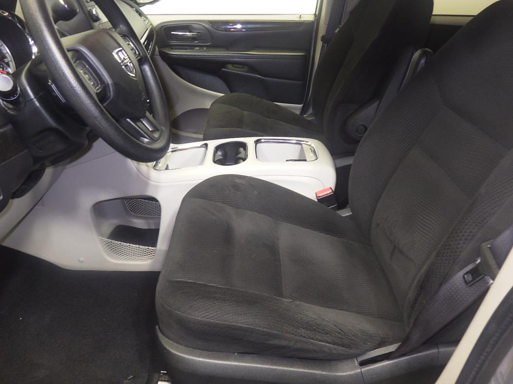 2016 Dodge Grand Caravan SXT - 1080170410
