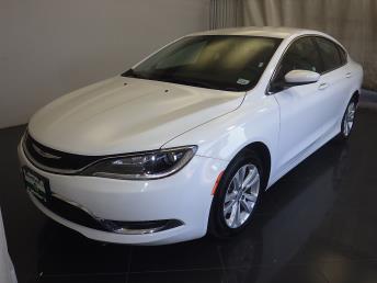 2016 Chrysler 200 - 1080170638