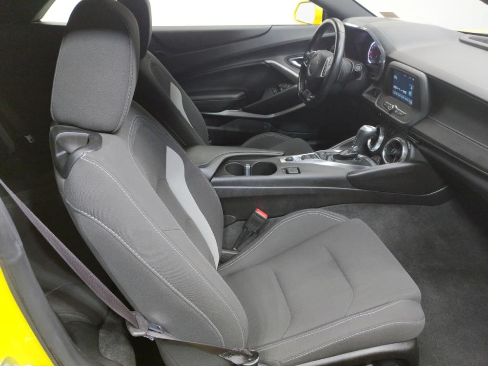 2017 Chevrolet Camaro LT - 1080172950