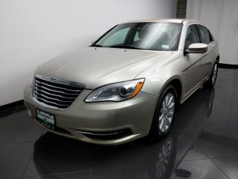 2013 Chrysler 200 Touring - 1080173519