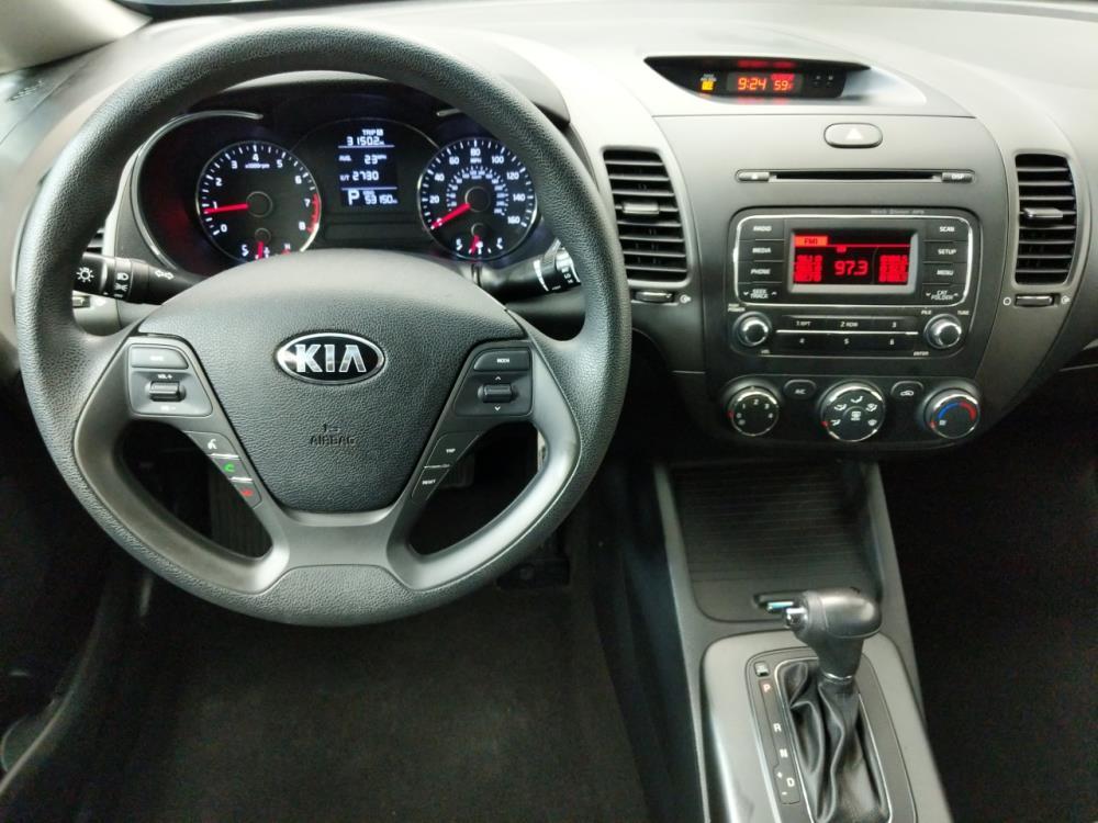 2016 Kia Forte LX - 1080174070
