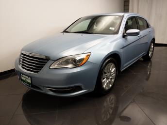 2013 Chrysler 200 LX - 1080174206