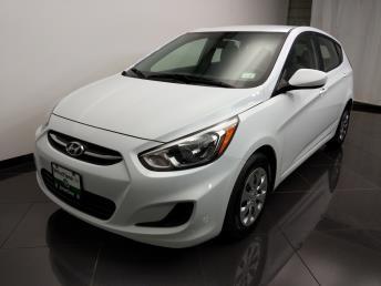 2017 Hyundai Accent SE - 1080174363