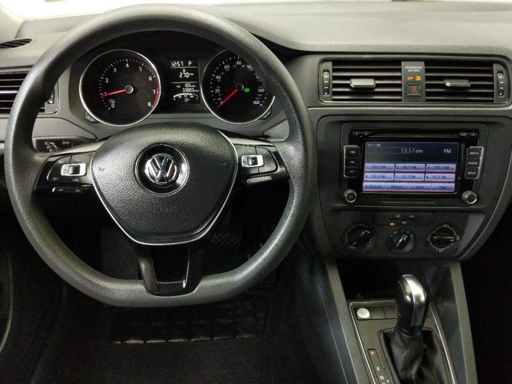 2015 Volkswagen Jetta 2.0L S - 1080174614