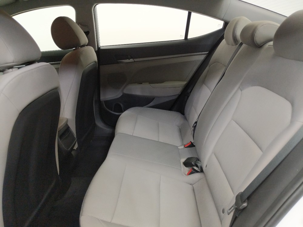 2017 Hyundai Elantra SE - 1080175006