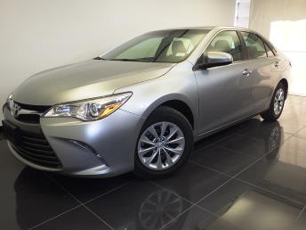 2017 Toyota Camry LE - 1100045381