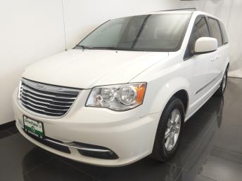 2012 Chrysler Town and Country Touring - 1100046161