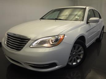2013 Chrysler 200 - 1120124669