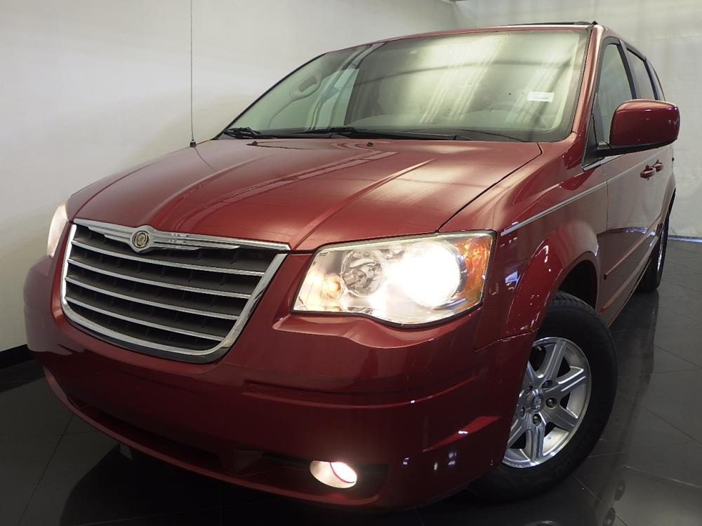 2008 Chrysler Town and Country - 1120126363