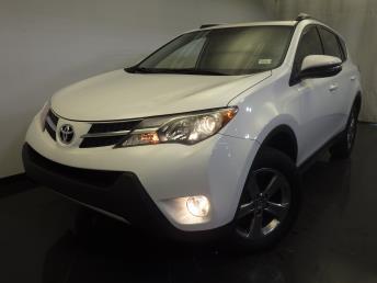 2015 Toyota RAV4 XLE - 1120139027