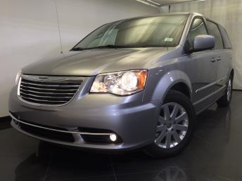 2016 Chrysler Town and Country - 1120139114