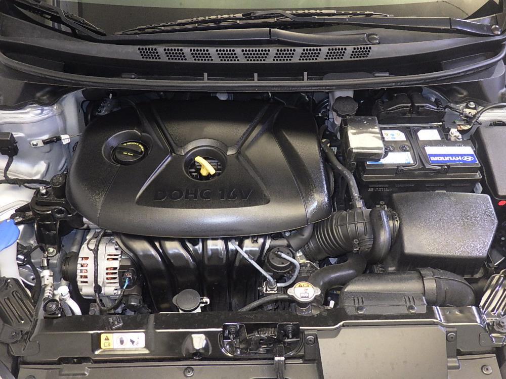 2015 Hyundai Elantra SE - 1120141943
