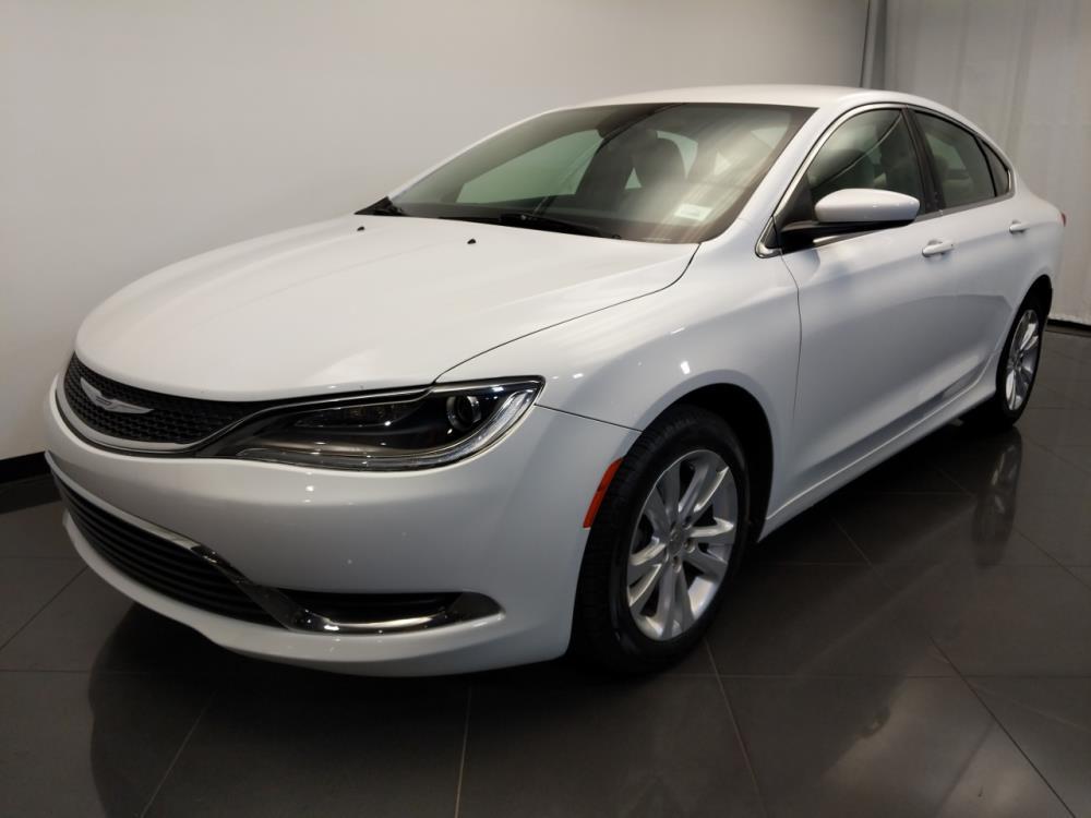 2016 Chrysler 200 Limited - 1120142247