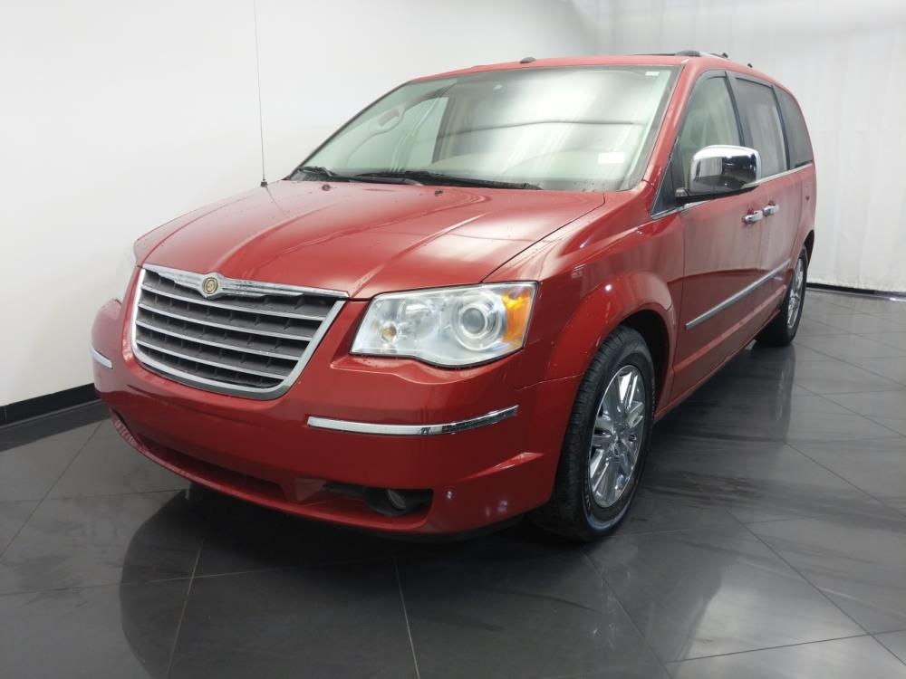 2008 Chrysler Town and Country Limited - 1120143056