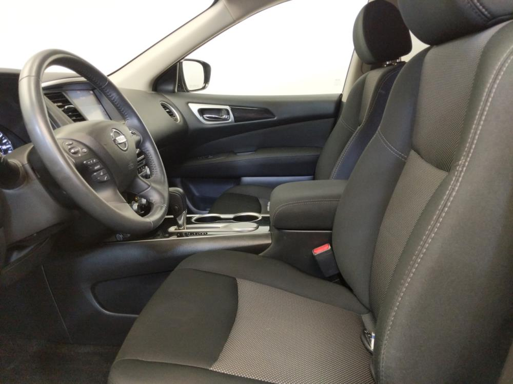 2017 Nissan Pathfinder SV - 1120143613