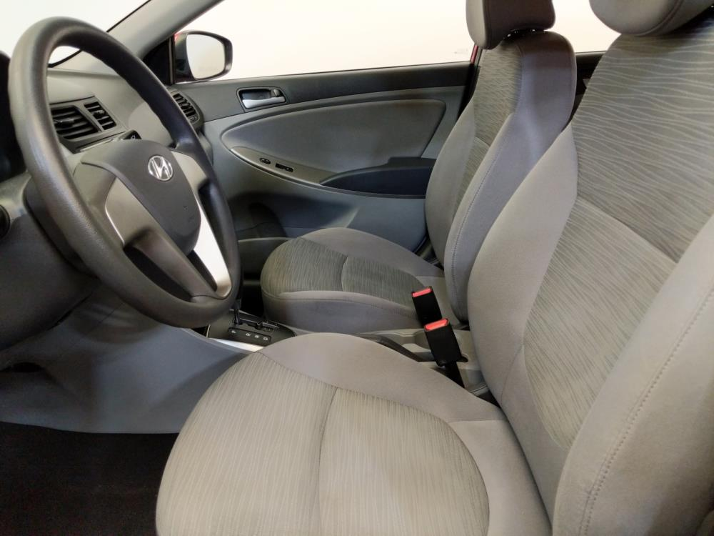 2016 Hyundai Accent SE - 1120144932