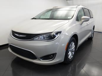 2017 Chrysler Pacifica Touring-L - 1120145355